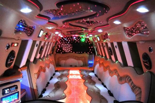 14 Person Escalade Limo Services Carrollton
