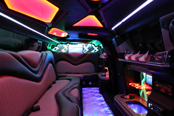 8 Person Chrysler 300 Limo Rental Carrollton